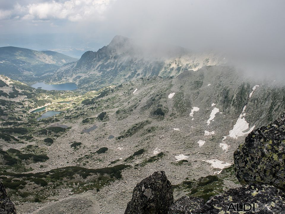 Peaks above the Tevno lake