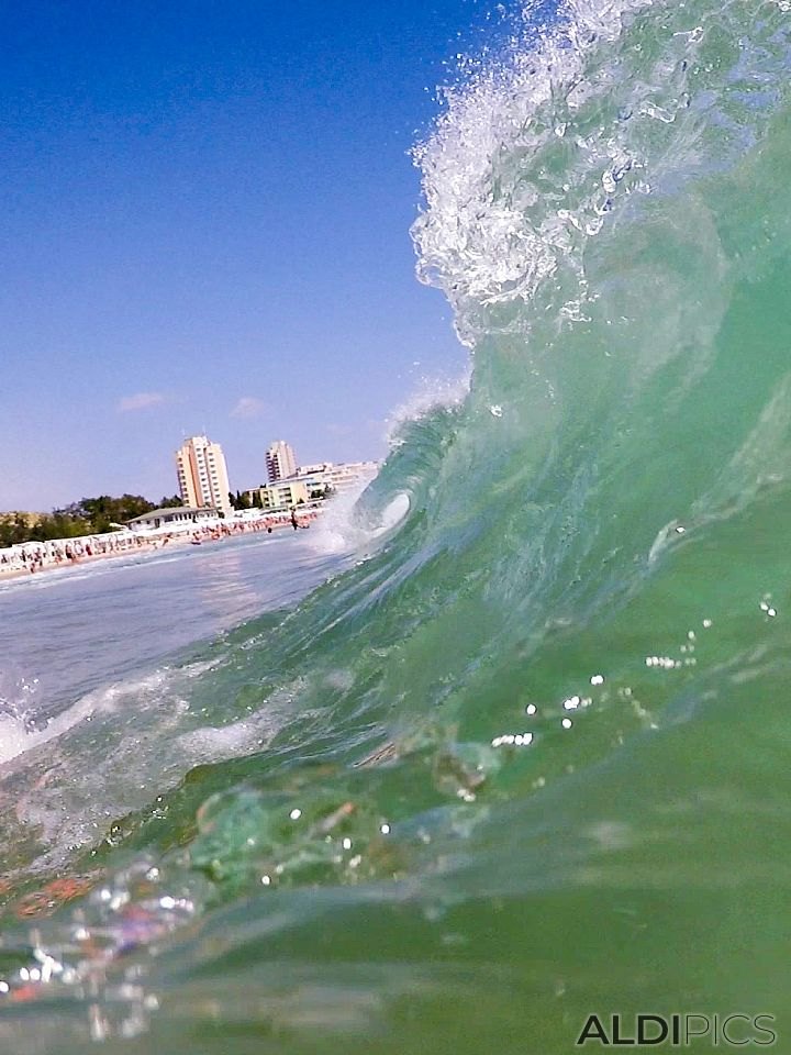Вълнички на плажа