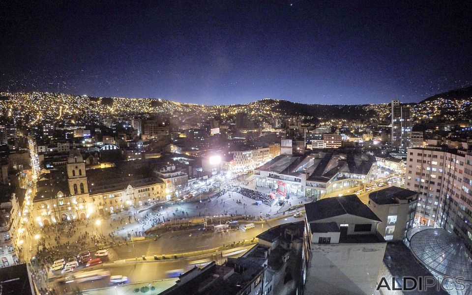 La Paz at night
