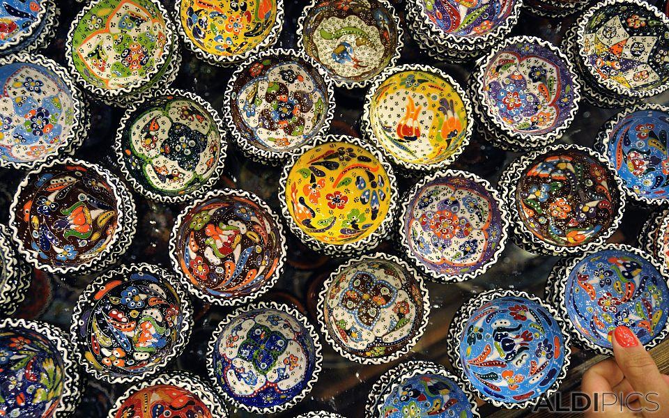 Ceramic pottery